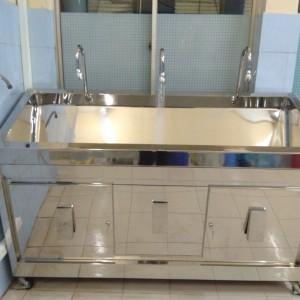 Bồn rửa tay 3 vòi